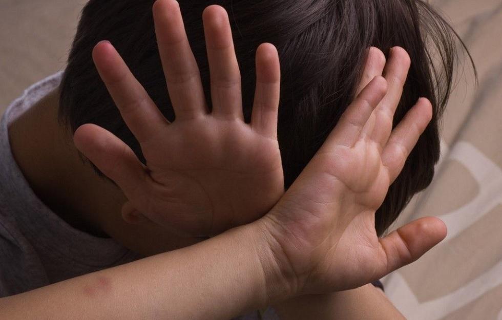 Жестокое обращение с детьми попало на видео в Таразе