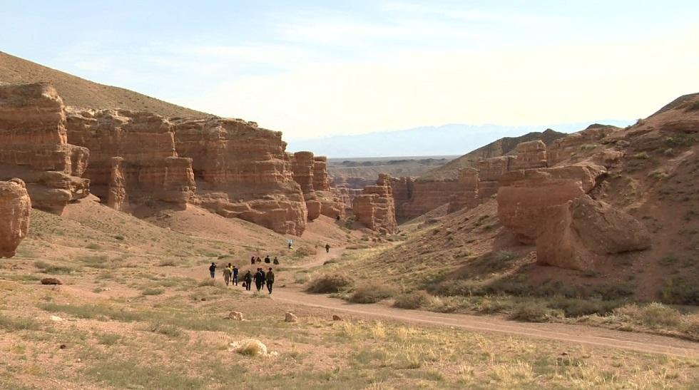 Два новых туристических маршрута запустят на Чарынском каньоне