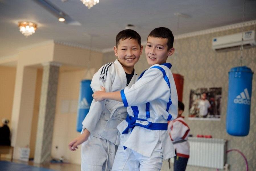 В Алматы состоялся молодежный чемпионат по вольной борьбе