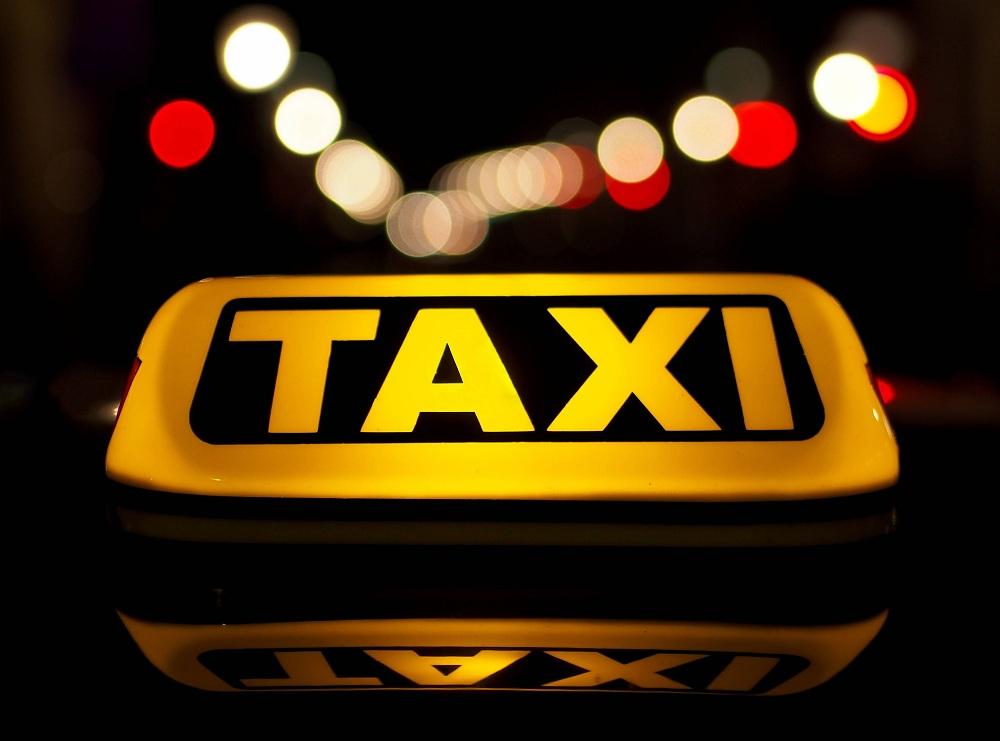Как в кино: таксисты в масках ограбили пассажирку в Туркестанской области