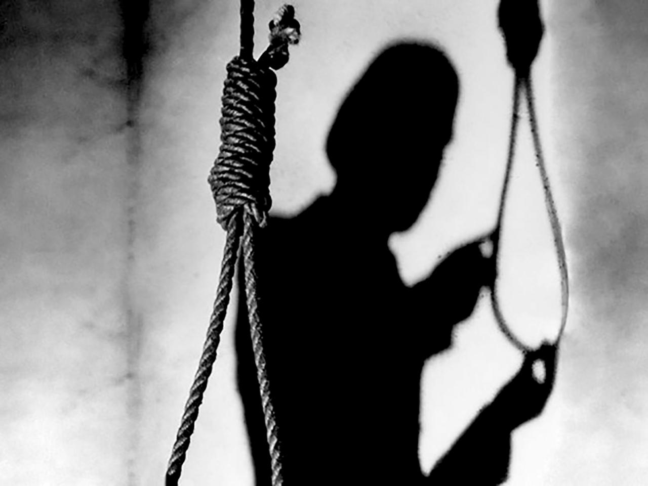Не выдержал психологического напряжения: сотрудник колонии пытался покончить с собой в Оскемене