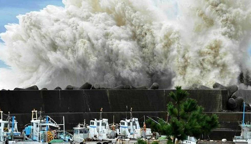 Число жертв тайфуна «Хагибис» в Японии достигло 77 человек