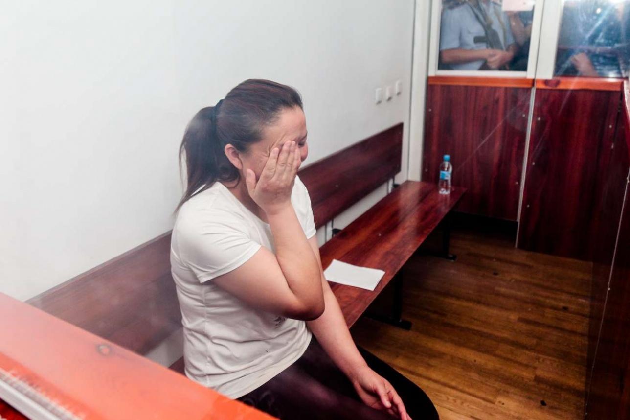 «Зорлап, тырнағын жұлып қинайды»: Сайрагүл Сауытбай қытай лагеріндегі сұмдықты жайып салды