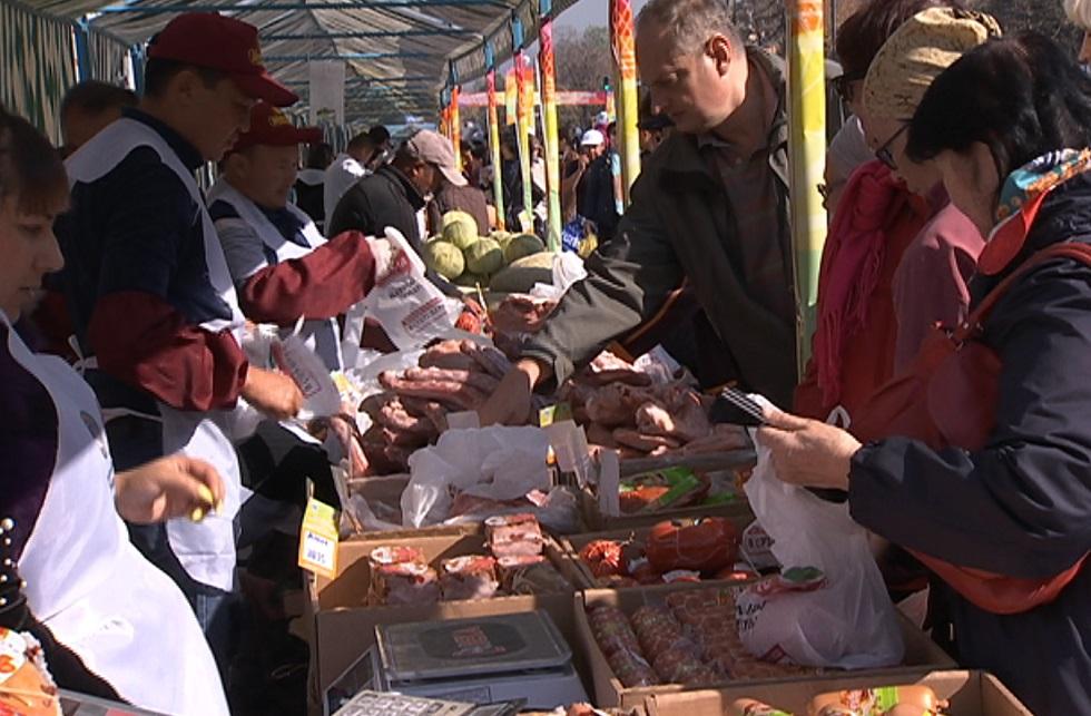 55 тысяч килограммов мяса продали на ярмарке Алматы фермеры из Туркестанской области