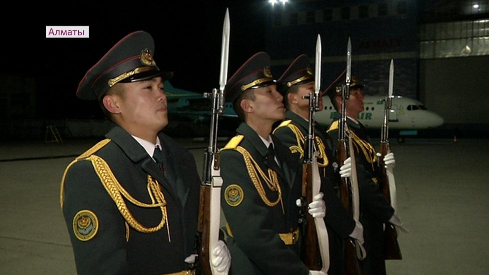 В Алматы доставили останки погибшего в ВОВ казахстанского солдата