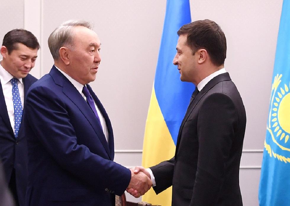 Назарбаев встретился в Токио с Зеленским