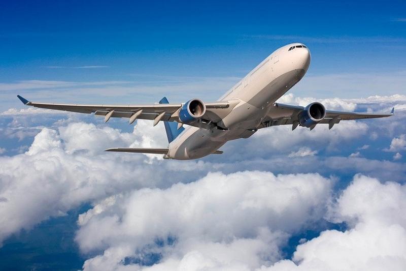 Самолет совершил экстренную посадку в Атырау