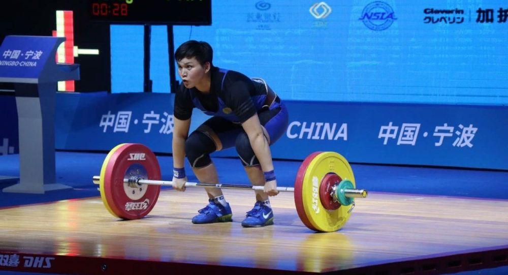 Казахстанка стала чемпионкой международного турнира по тяжелой атлетике