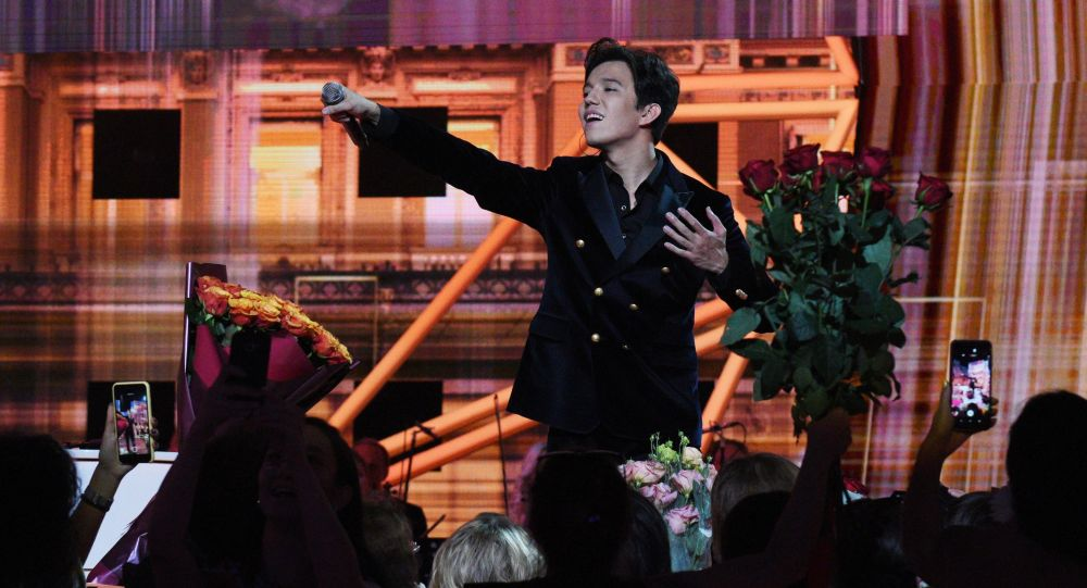 Димаш Кудайберген покорил зрителей на концерте Игоря Крутого в Нью-Йорке (видео)