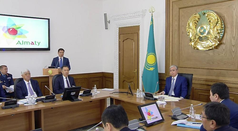 С предложением правительству поддержать меры по развитию Алматы обратился Бакытжан Сагинтаев