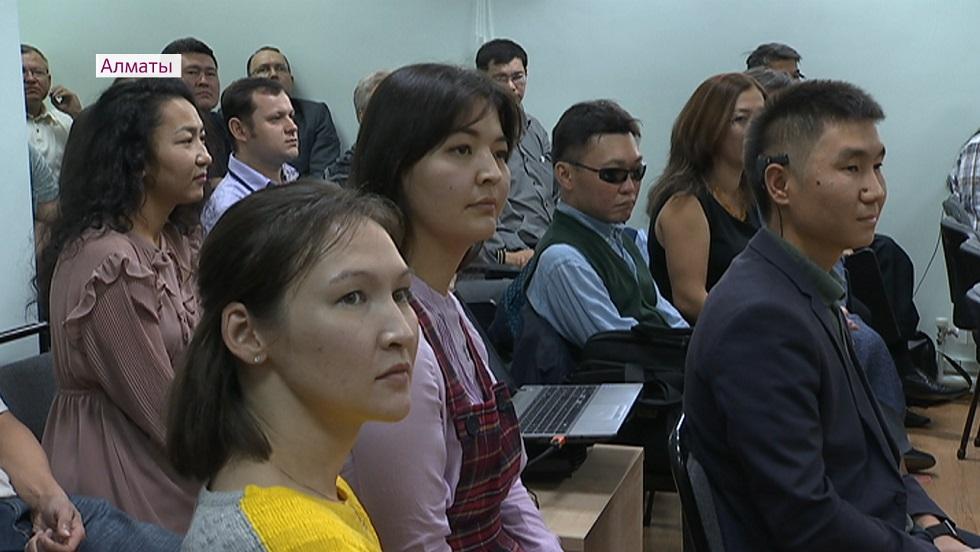 По 500 тысяч тенге получили члены общества глухонемых «Үміт» на развитие бизнеса