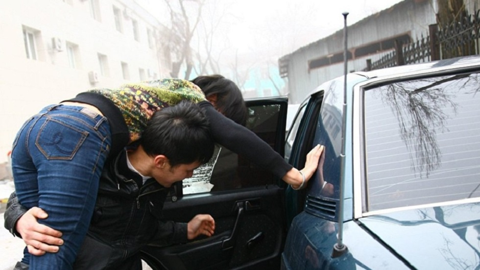 19-летний парень пытался похитить 17-летнюю жительницу Алматинской области