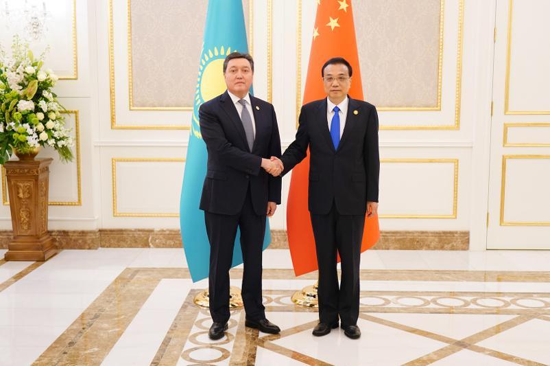 Аскар Мамин провел переговоры с Премьером Госсовета КНР Ли Кэцяном
