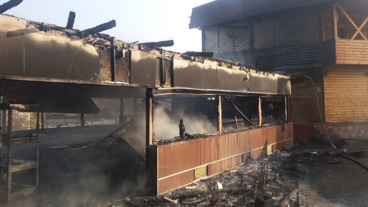 Ресторан загорелся в Алматы