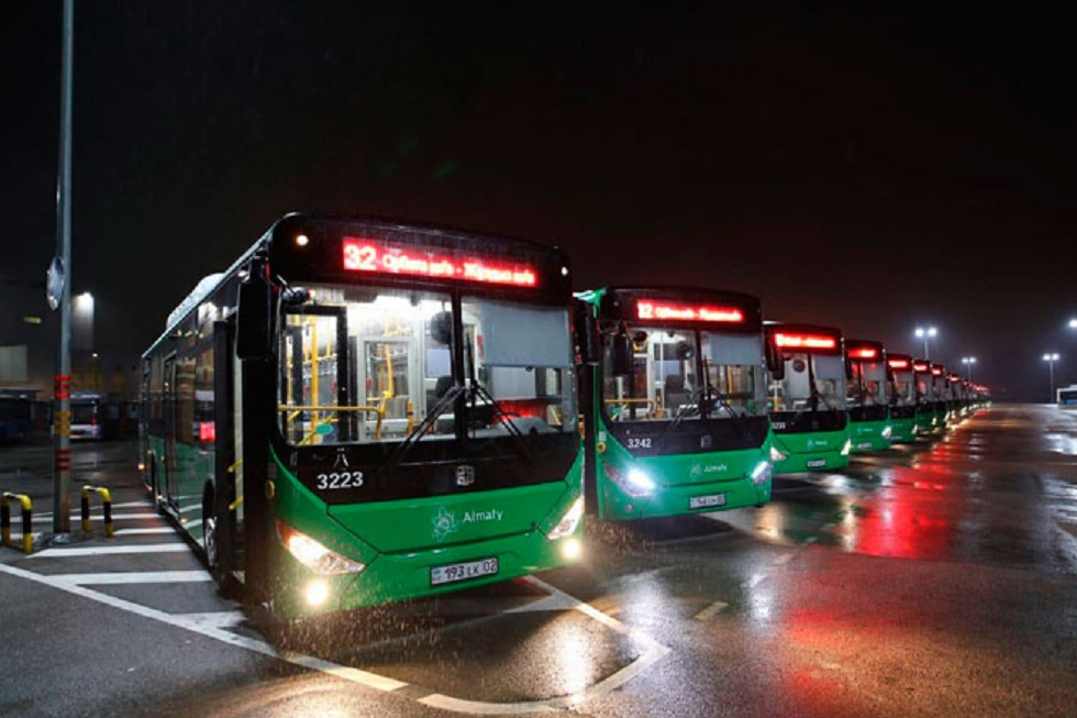 В Алматы по маршруту № 32 начали курсировать новые автобусы