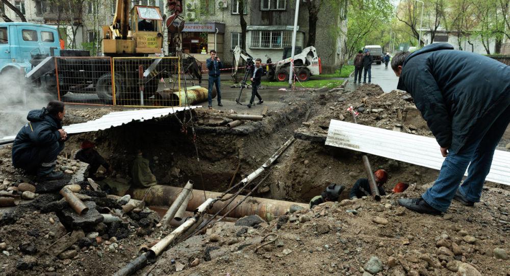 Упал в яму и захлебнулся: мужчина трагически погиб в Петропавловске
