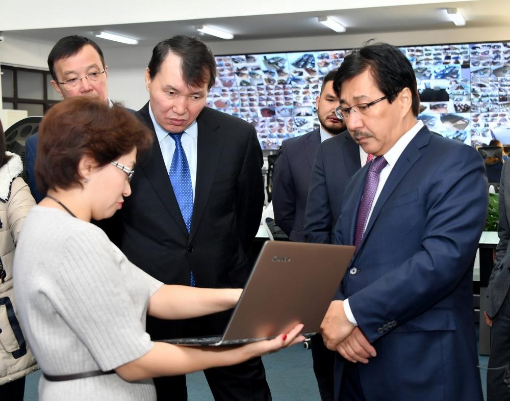 Председатель Агентства РК по противодействию коррупции Алик Шпекбаев посетил вузы Алматы