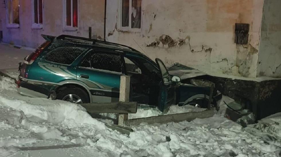 Сбил насмерть ребенка и погиб сам: жуткое ДТП произошло в Якутии (видео)