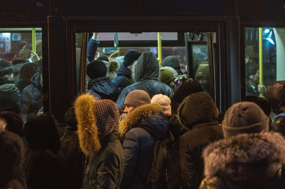 На нехватку автобусов жалуются жители Алматы
