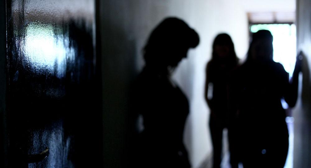 Уксусом в лицо: казахстанка жестоко отомстила любовнице мужа