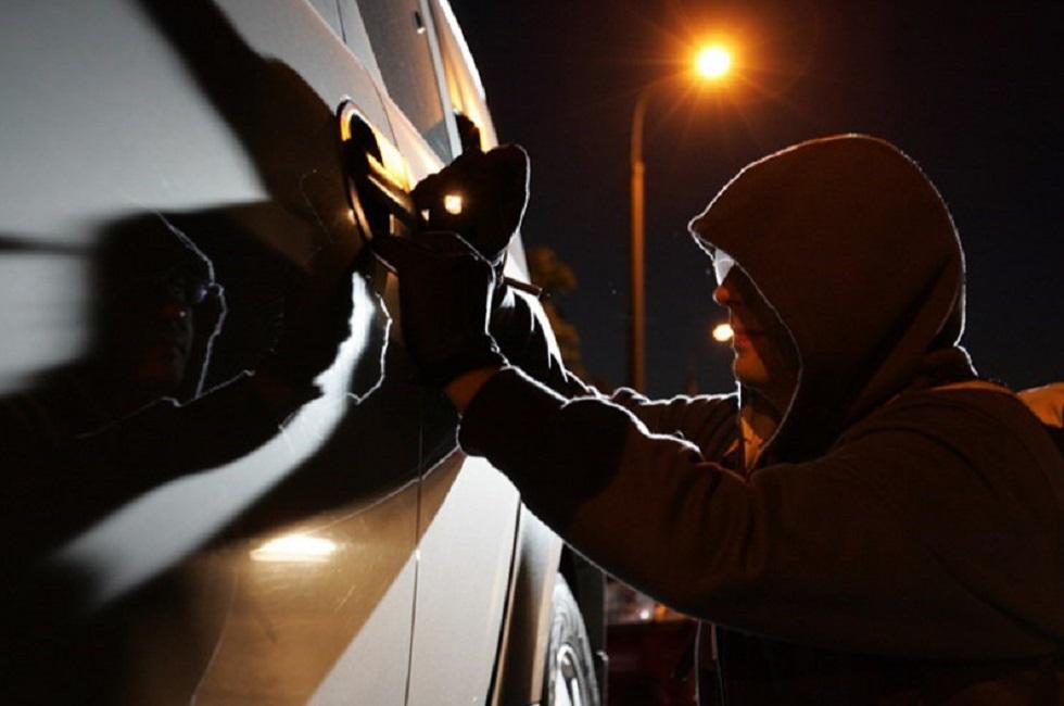Две машины, угнанные у ночного клуба и автомойки, разыскали полицейские Алматы