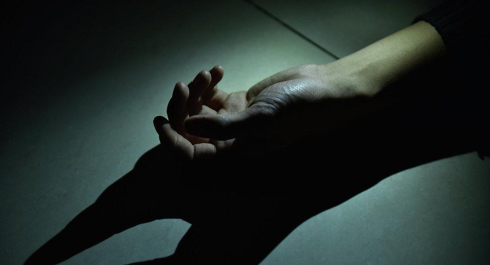 Трагедия в Байконыре: мужчина столкнул женщину с балкона, та скончалась