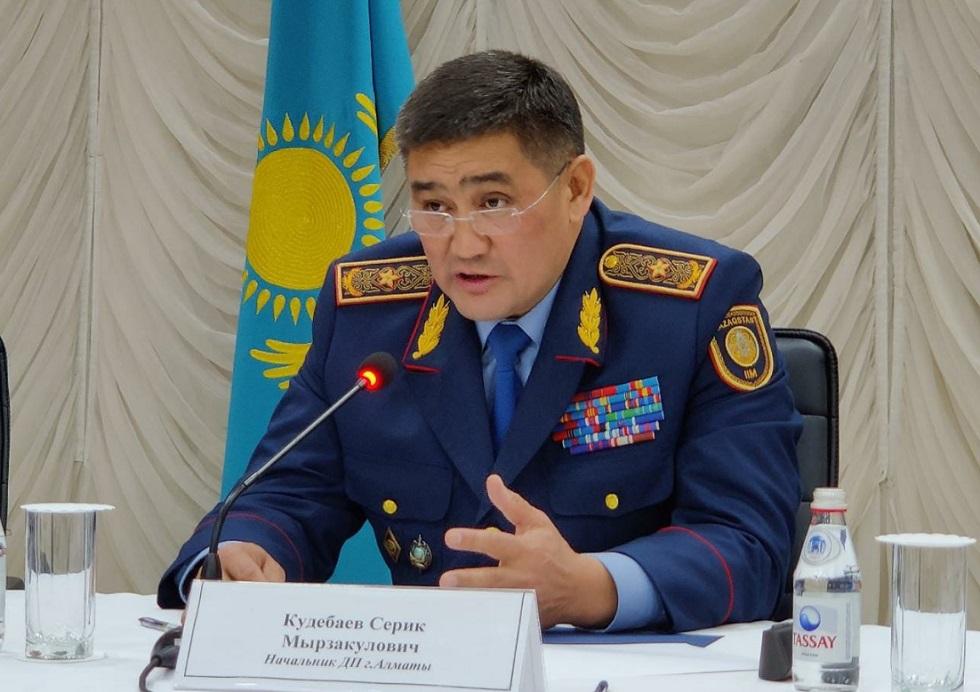 В школах Алматы предлагают установить специализированную охрану