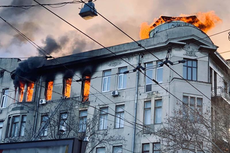 Одесса колледжіндегі өрт: Владимир Зеленский 8 желтоқсанды қаралы күн деп жариялады