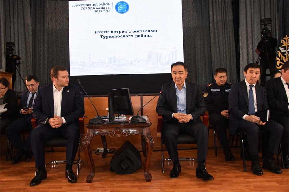 Б. Сагинтаев: Будем вместе решать вопросы повышения качества жизни