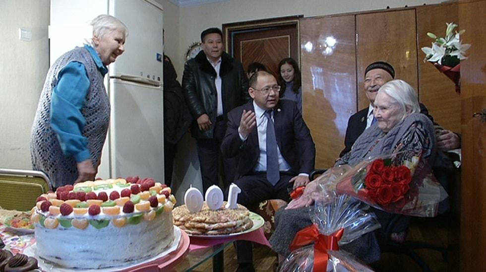 Ветерану труда исполнилось 100 лет в Алматы