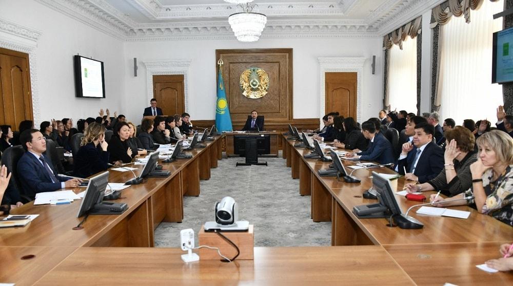 В Алматы заместителем акима мегаполиса Ержаном Бабакумаровым проведено очередное заседание штаба по вопросам внедрения и готовности к ОСМС
