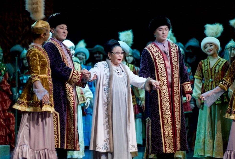 Концерт в честь юбилея Бибигуль Тулегеновой прошел в ГАТОБ им. Абая