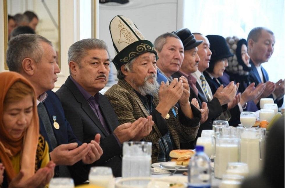 Поминальный обед провели по жертвам Желтоксана в Алматы