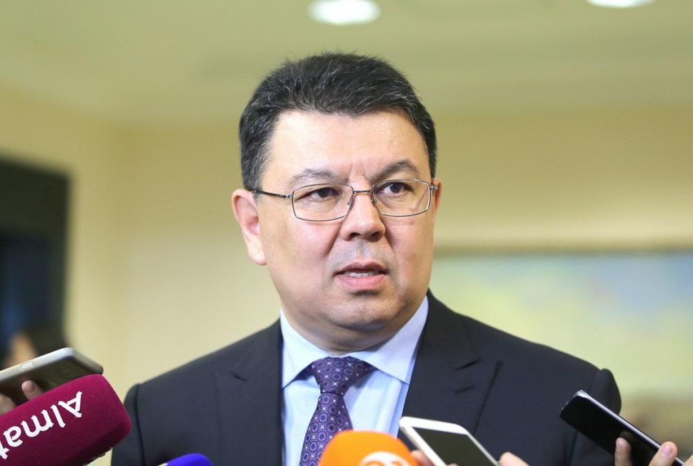 Канат Бозумбаев назначен помощником Президента РК