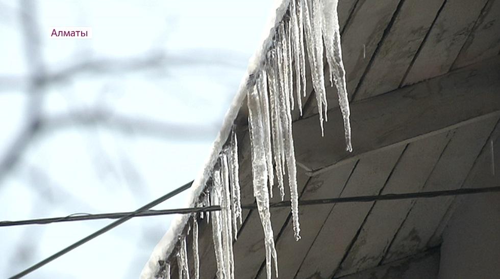 Жалобы на бездействие КСК поступают от жителей Алматы после снегопада