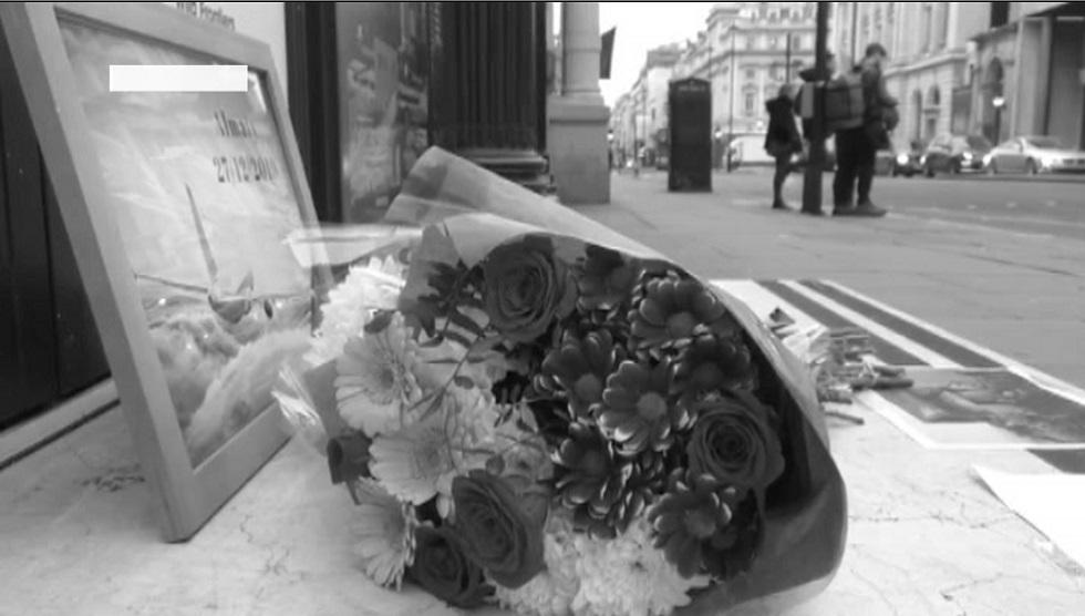 В память о погибших: к посольствам и консульствам Казахстана в разных городах мира несут цветы