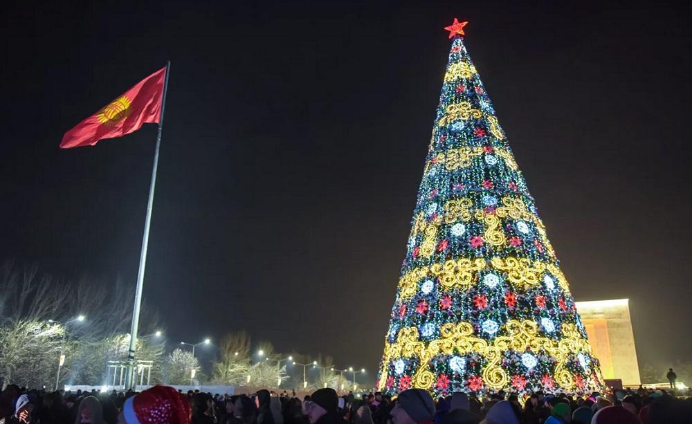 Имамов в Кыргызстане призвали не пропагандировать запрет на проведение Нового года