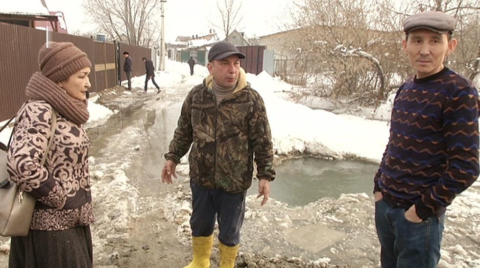 Частные дома в посёлке Жармухамбет Алматинской области уходят под воду