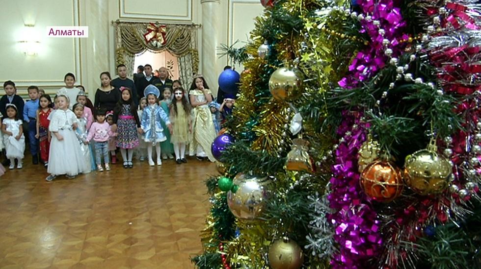 Новогодняя елка главного командования Национальной гвардии прошла в Алматы