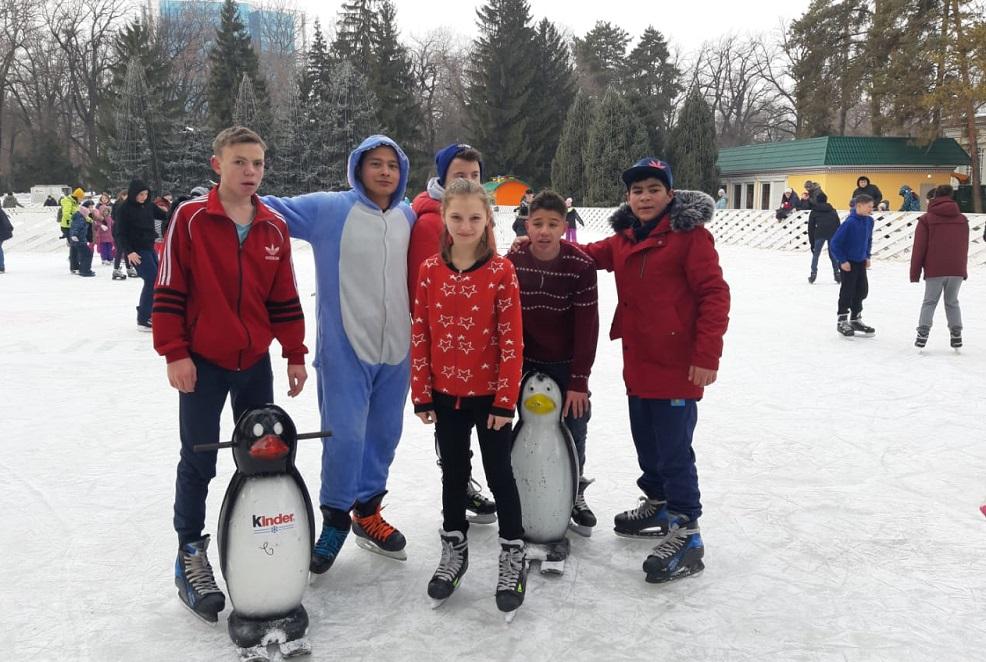 В Алматы воспитанники  специализированного комплекса «Жануя» встали на коньки