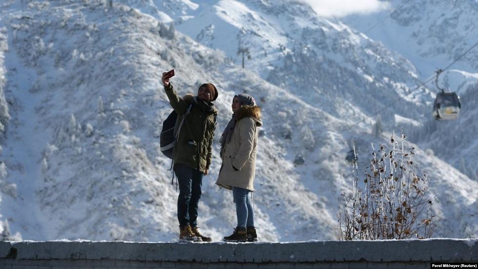 Туристам в Казахстане больше не нужна регистрация в миграционной службе
