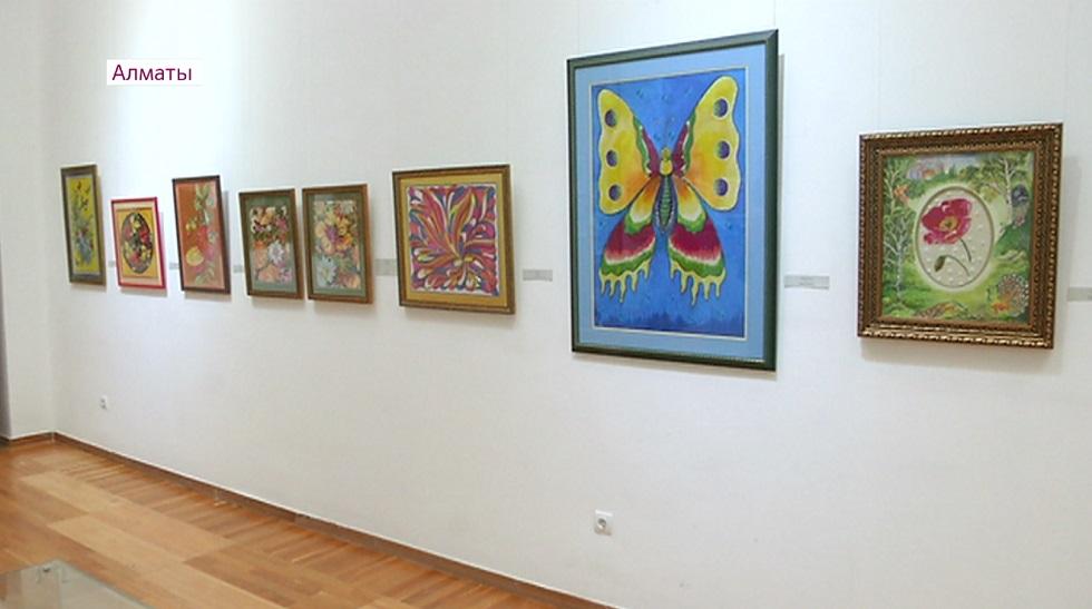 Выставка картин, вышитых нитками, прошла в Алматы