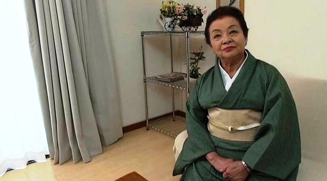 81-летняя бабушка стала звездой кино для взрослых