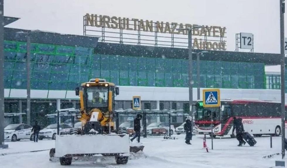 Десятки рейсов задержаны в аэропорту Нур-Султана