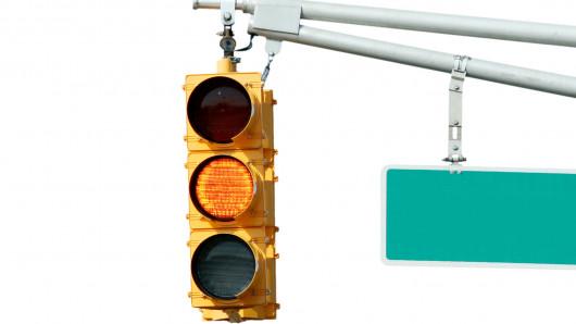 Где отменят желтый сигнал светофора?
