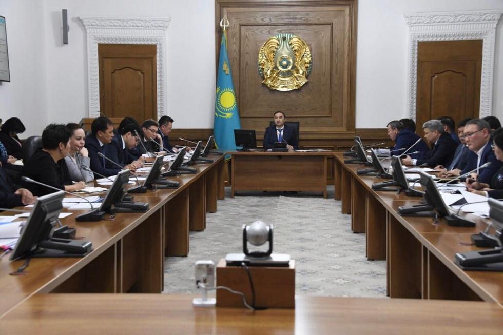 Под председательством заместителя акима Алматы Е. Бабакумарова состоялось заседание городского штаба по вопросам здравоохранения