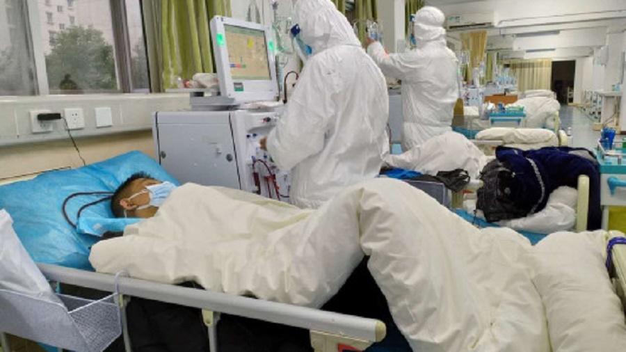 Число заболевших новым коронавирусом достигло почти 1 400 человек