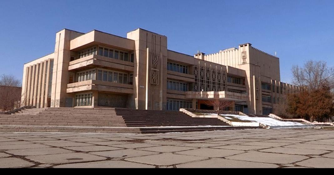 Недвижимость Тохтара Тулешова выставят на торги 6 февраля