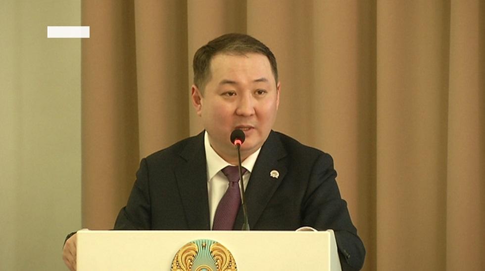 Жители Наурызбайского района задали вопросы главе местной администрации на отчетной встрече