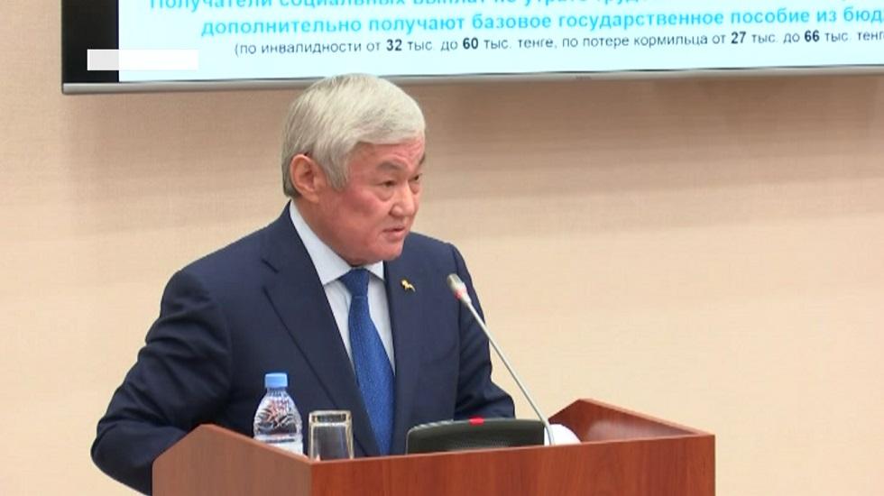 Правительство Казахстана рассматривает вопрос выплаты пособий не только многодетным матерям
